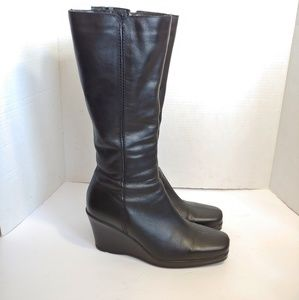 La Canadienne black leather wedge boots